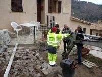 Discution autour du projet de terrasse intermédiaire entre deux gîtes