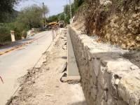 Caniveau le long du mur